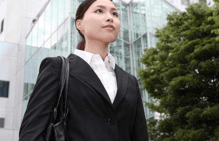 派遣会社への面接にいくときの服装はスーツで問題なし?