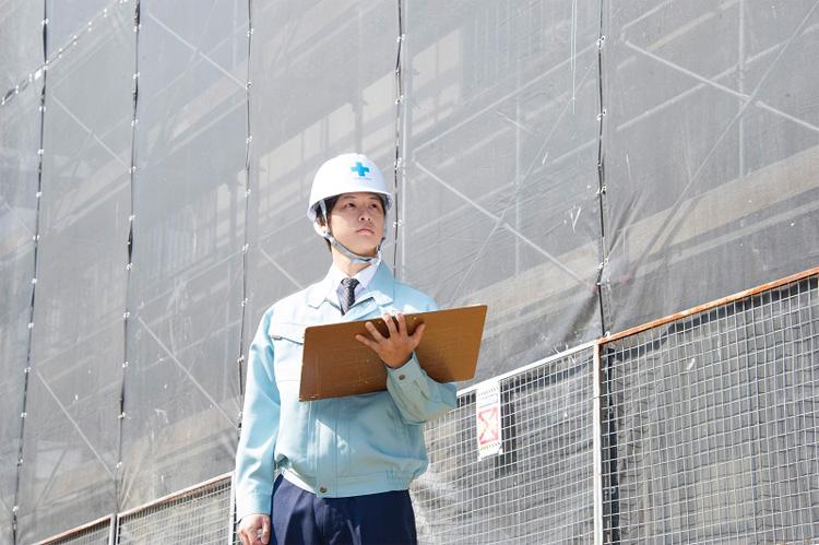 施工管理の仕事は計画通り現場の作業が進んでいるか、安全に行われているかを管理することです。