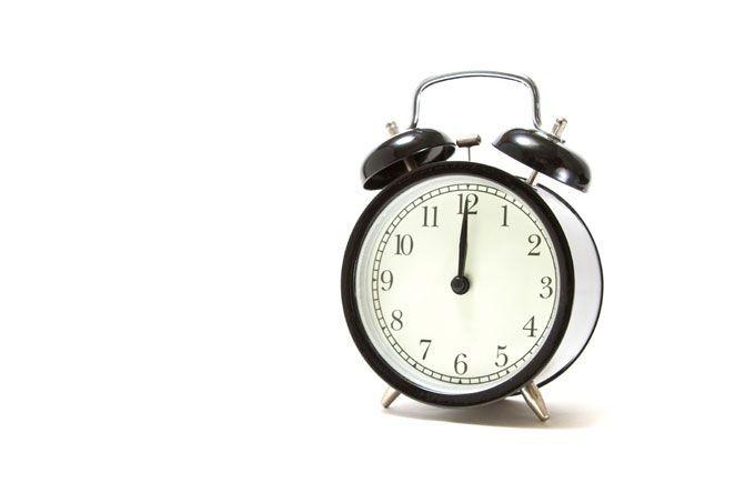 大学生のバイト平均時間は学年・学科・地域で差がつく?
