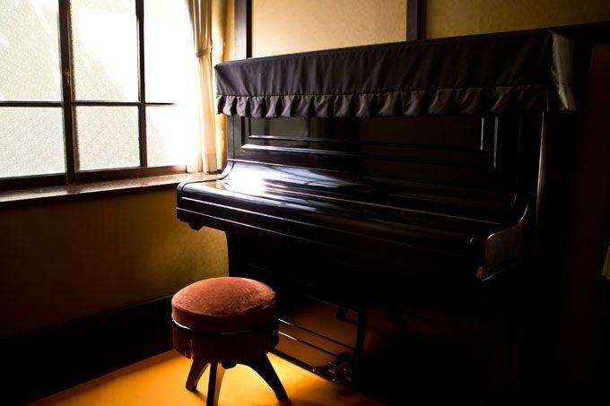 ピアノを演奏するアルバイトはどんな勤務先が多い?