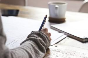 家庭教師バイト、どっちが得? 個人でやるか会社に雇われるか