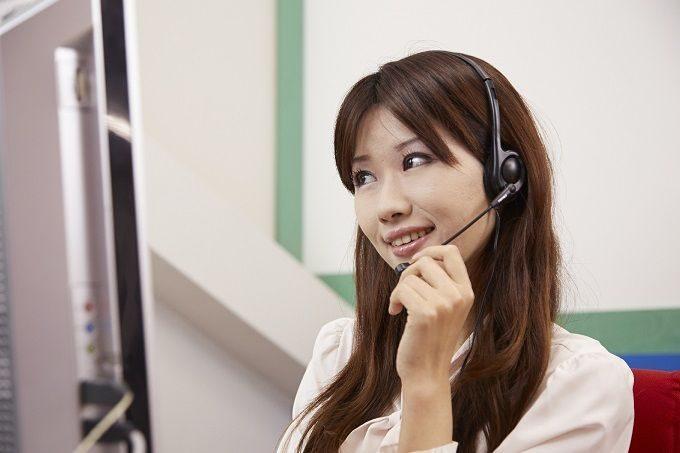 電話対応のバイトはどんな仕事?メリット・デメリットや給与を解説