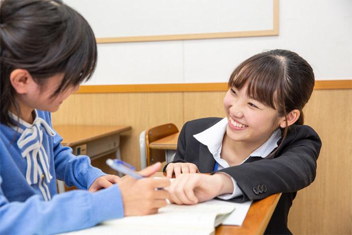 京進では集合塾、個別指導など生徒のニーズに合わせた教室展開を行っています。