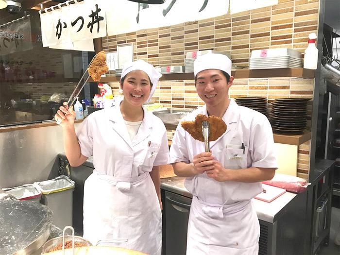 豚屋とん一のアルバイト・パートにはホールとキッチンの仕事があります。